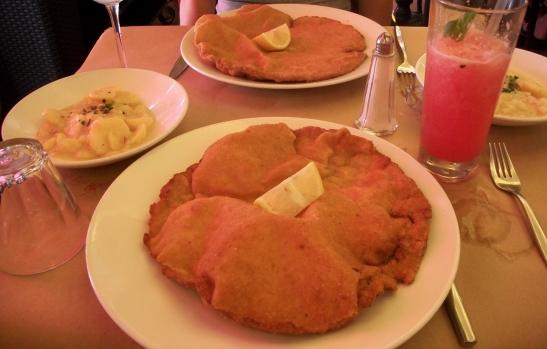 Wienerschnitzel, Dernye, Budapest, food
