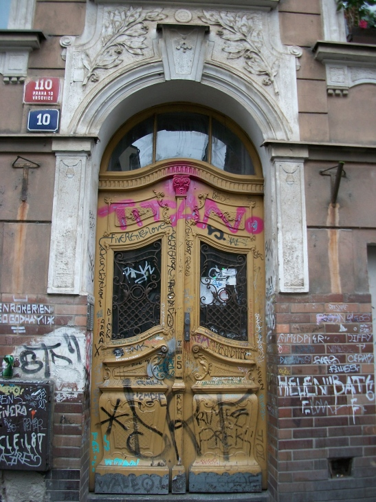 Europe door, prague graffiti