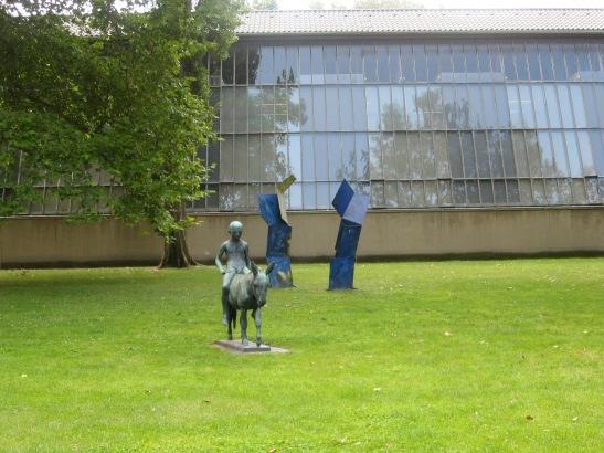 park in vienna, sculpture of chil